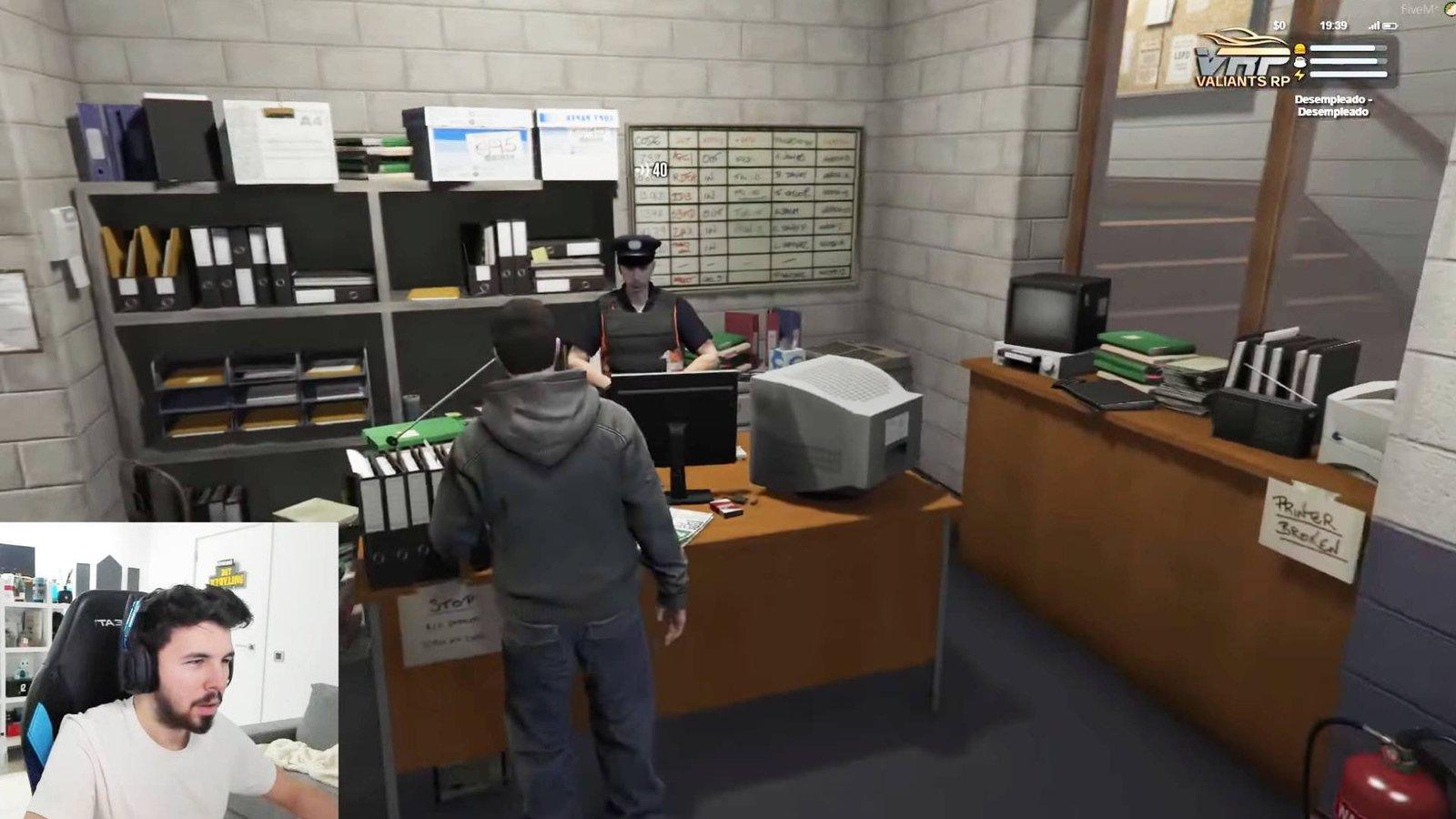 La comisaría y los policías